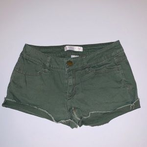 No Boundaries Olive Green Shorts Size 7